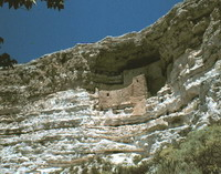 Locuinte la  Castelul Montezuma